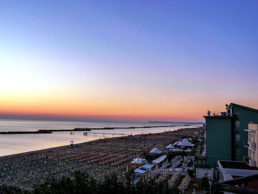 Panorana Spiaggia dall'Hotel Mexico Bellaria